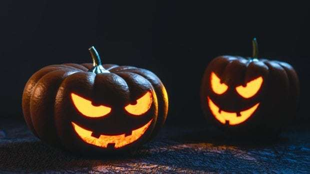 4 ways you're carving your jack o' lantern all wrong