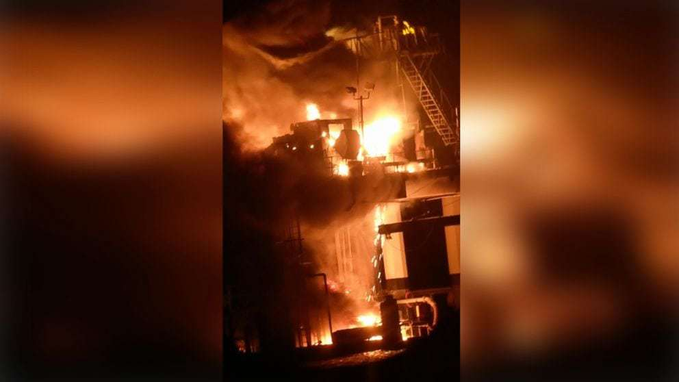 Search for missing worker continues after oil rig explodes in Louisiana